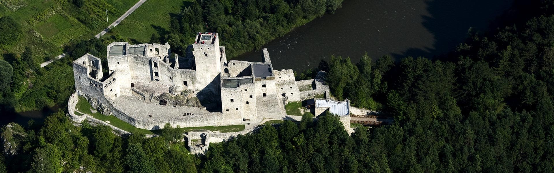 CASTLES AND MUSEUMS IN VICINITY OF VILLAGE TERCHOVA